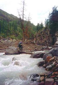 Горный Алтай: переправа через реку Камрю в устье, у впадения в реку Карагем (15.94 Kb)