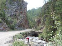 Горный Алтай: Река Чибитка мост у Красных ворот (136.56 Kb)